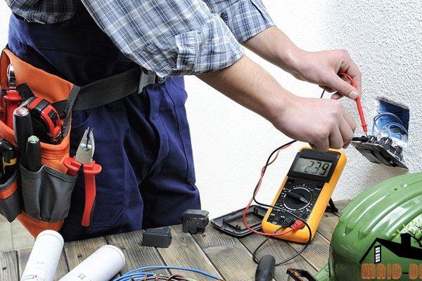 การดูแลบำรุง และรักษาระบบไฟฟ้าภายในบ้าน maid-dee.com ดูแลบ้าน
